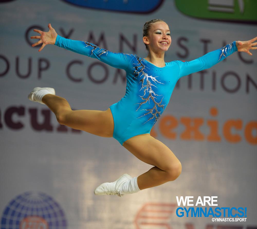 Ayse Onbasi (TUR) en las Competiciones Mundiales por Grupos de Edad 2014 en Cancún (MEX)