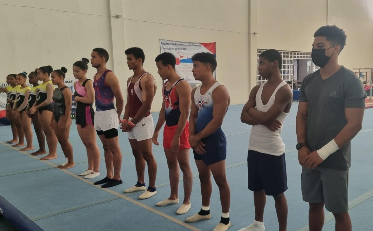 Parte de los atletas que tomaron parte en el certamen organizado por la Fedogim.